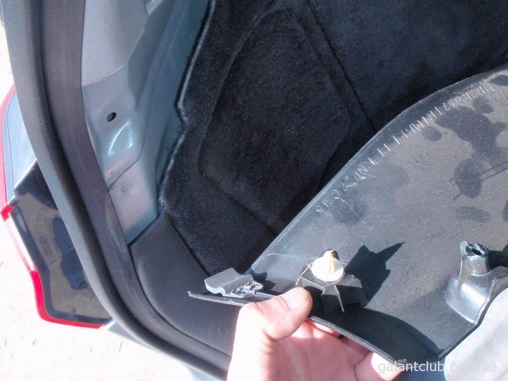 Пластик багажника галант