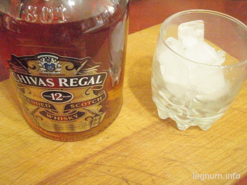 Как пить виски со льдом