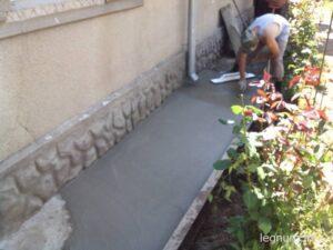 Как залить бетоном двор