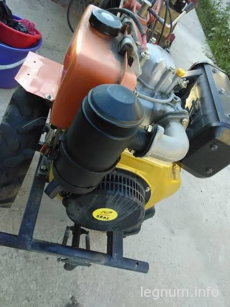 Чистим воздушный фильтр мотоблока