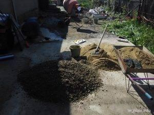 Продолжаем заливать двор