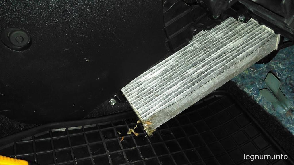 Замена салонного фильтра Civic 5D