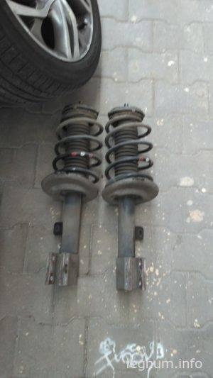 Замена передних амортизаторов Citroen C4