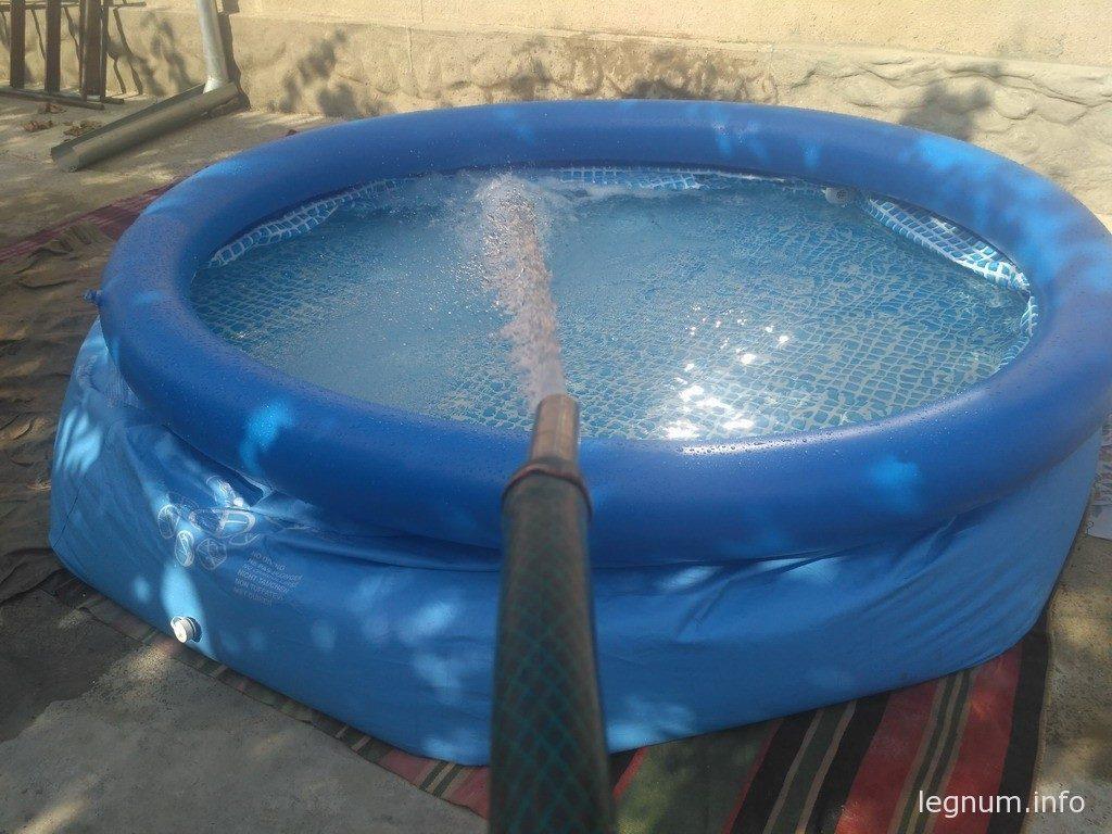 Чем заклеить дырку в бассейне