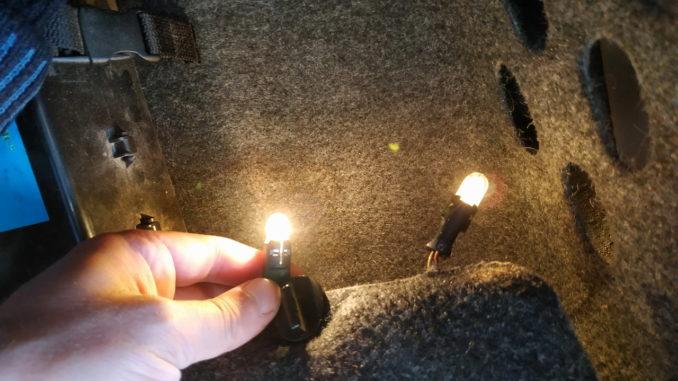 Старая и новые оригинальная лампочки габаритов OSRAM