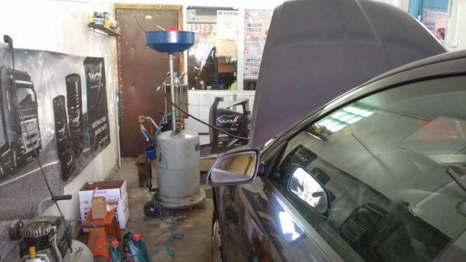 Аппарат для откачки масла из двигателя