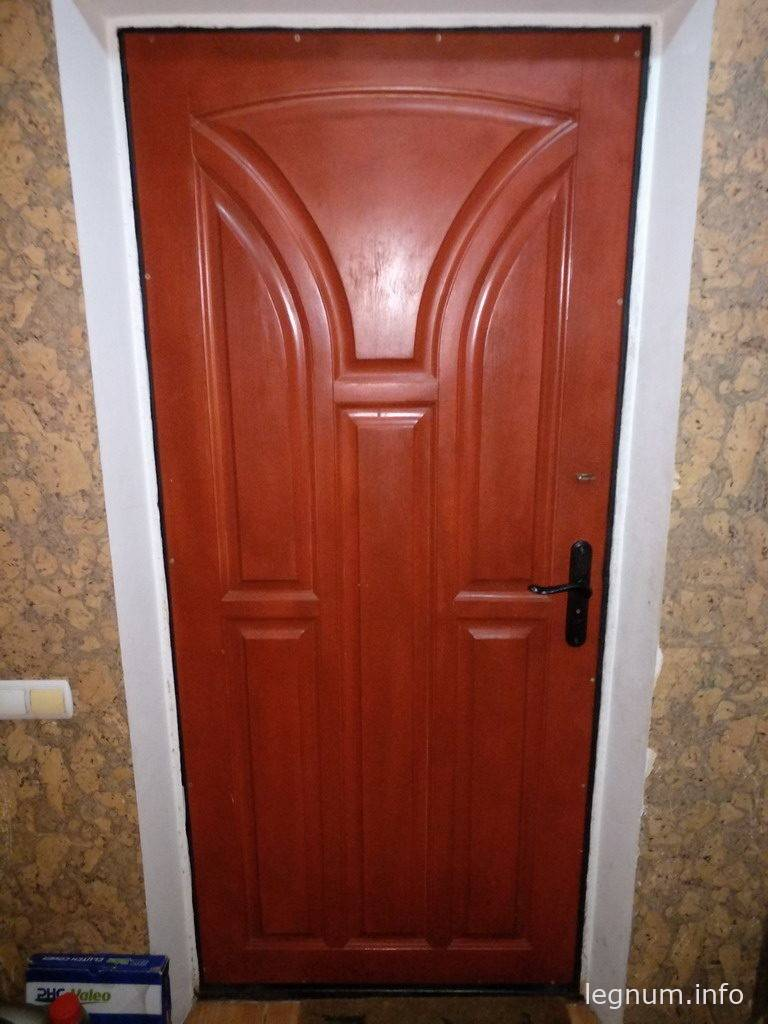 Как утеплить входную дверь